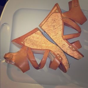 BROWN GUESS WEDGES SIZE 10